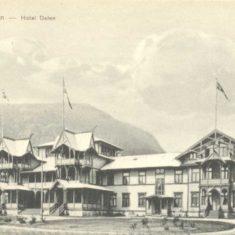 Postkort med motiv frå Dalen hotel frå rundt 1910. Vest-Telemark museum: VTM.F.07637